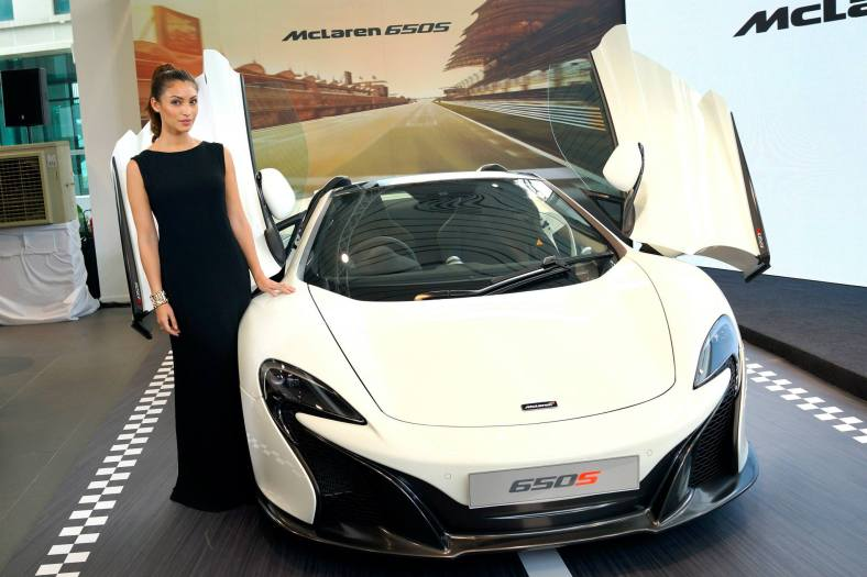 MC of the launch Patricia K with the McLaren 650S Spider