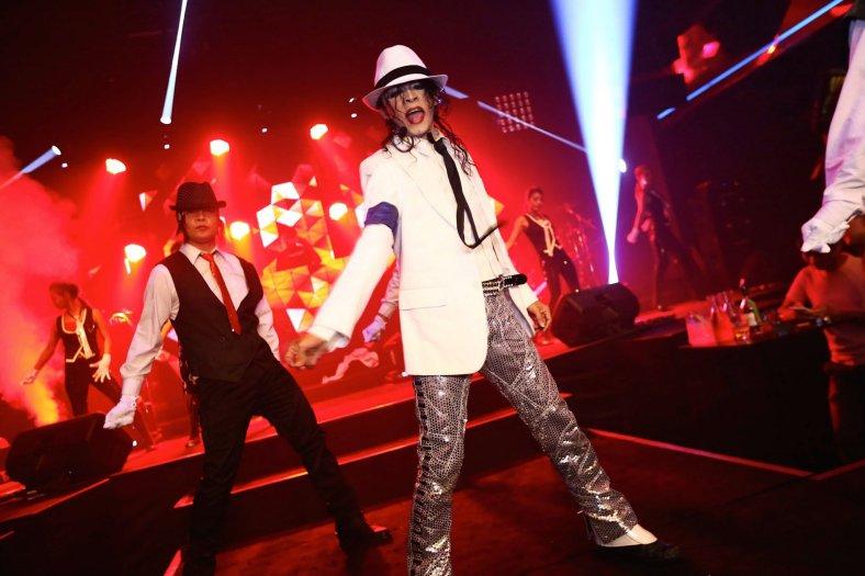 Is that Michael Jackson? Looks really like him ha ha!