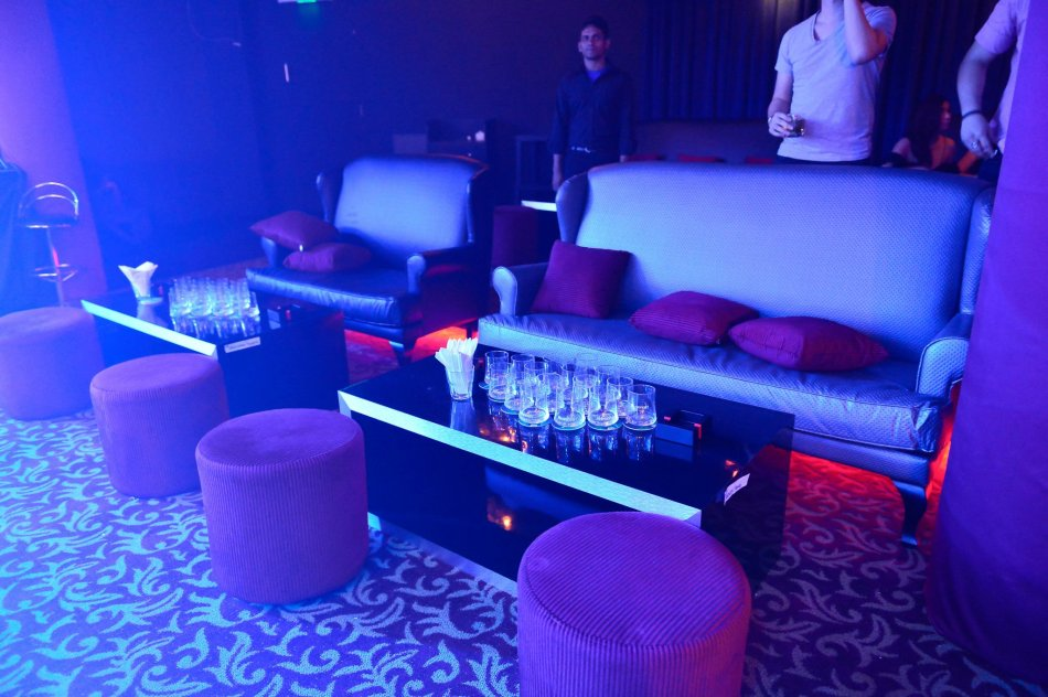 The sofa section at the right side of the club. The rest of the tables are high tables which are closer to the stage.