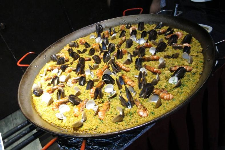 A really huge seafood paella