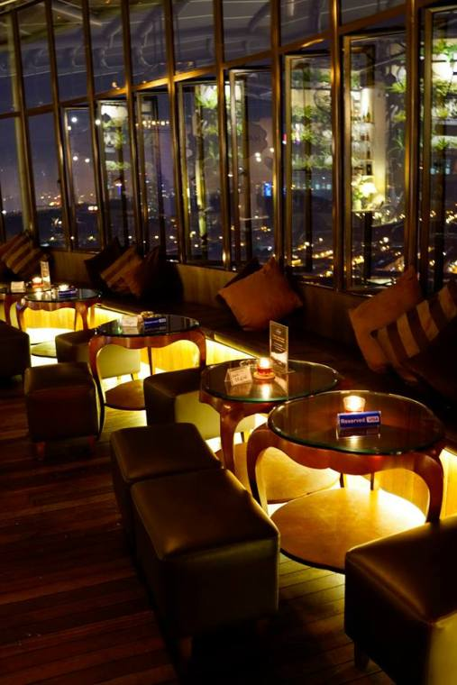 The comfy sofas in Malt & Leaf offers a great view of the Damansara skyline