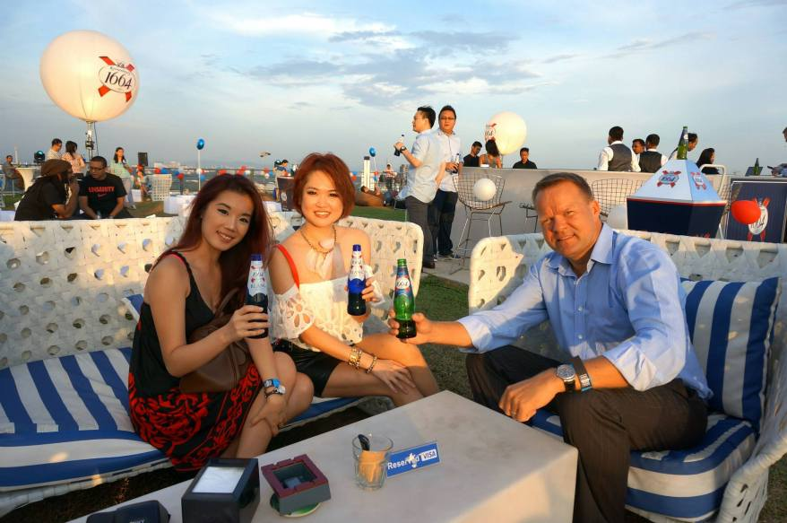 """Henrik J. Andersen, Managing Director of Carlsberg Malaysia joined us for a beer and explained that Kronenbourg 1664's """"Taste the French Way of Life' campaign was to champion the art and beauty of work-life balance by simply treasuring good conversation and company. Couldn't agree more!"""
