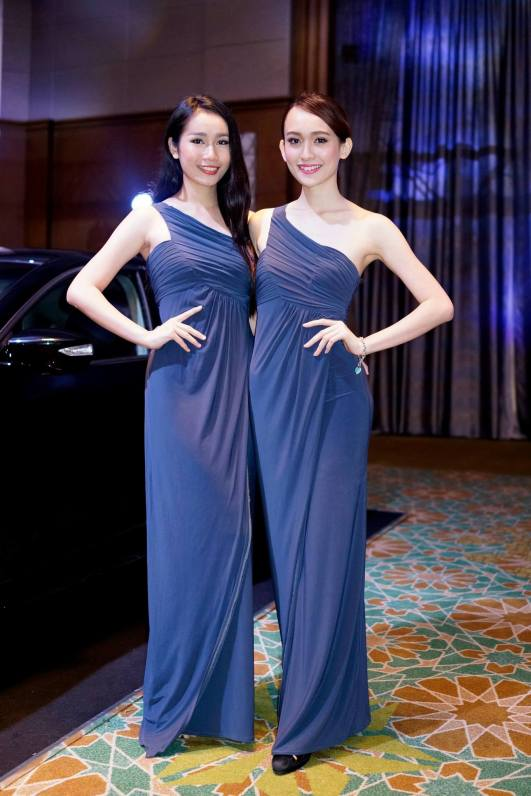 Ancy and Wan Li looking very elegant at the Nissan Teana launch