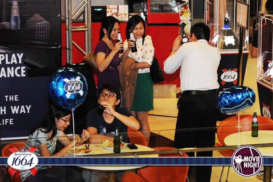 And I discovered this pic on Kronenbourg 1664 Malaysia's Facebook page of me snapping the ladies. Lol
