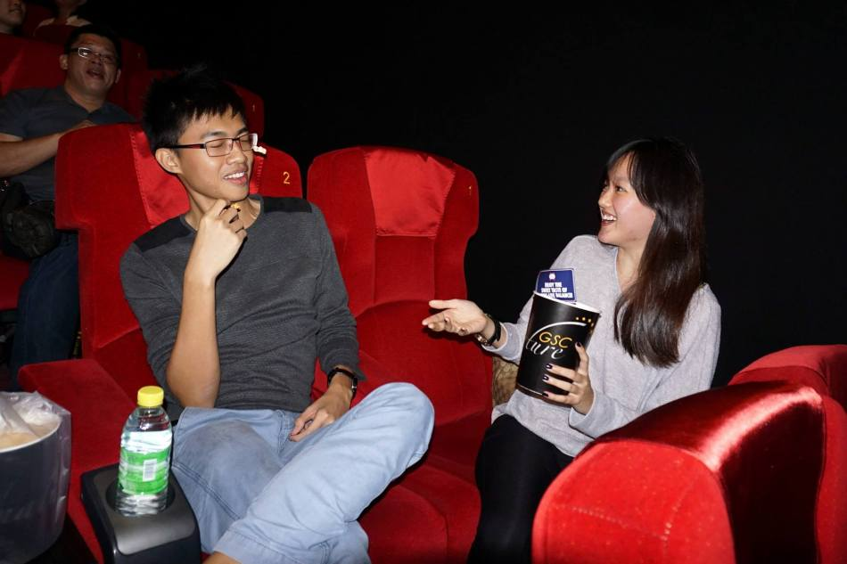 Guests were shown the new Kronenbourg 1664 interactive animated video reminding them to appreciate the moment and also to turn off their mobile phones after which Kenrick has guests try to throw popcorn into their partner's mouths.