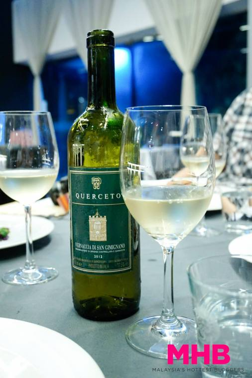 We chose one of the house white wines to go along with the meal as the appetiser, and both mains were white meat