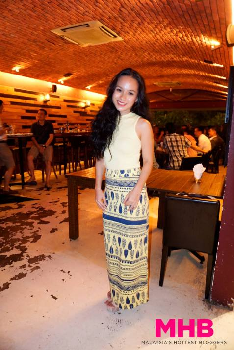 Jasmine is an actress and you can catch her in some local and Singaporean dramas