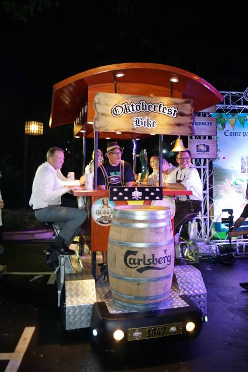 Grab 5 of your buddies and take the Bier Bike for a spin at the Carlsberg Oktoberfest parties!