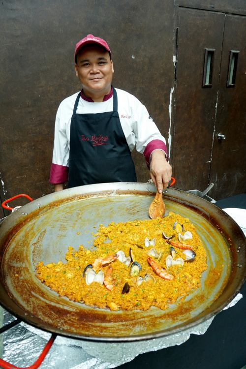 That is one huge paella!