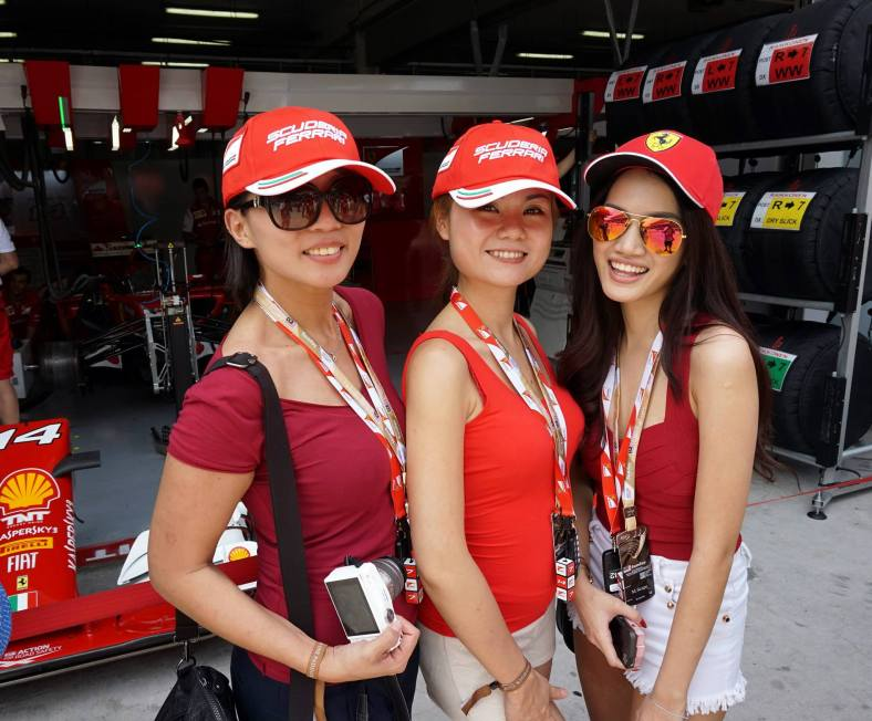 After lunch we headed down to the pits for the pit walk and to visit the Ferrari garage