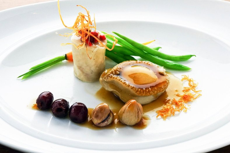 Drunken chicken timbale, stewed whole abalone with chestnuts & fruit jujubes