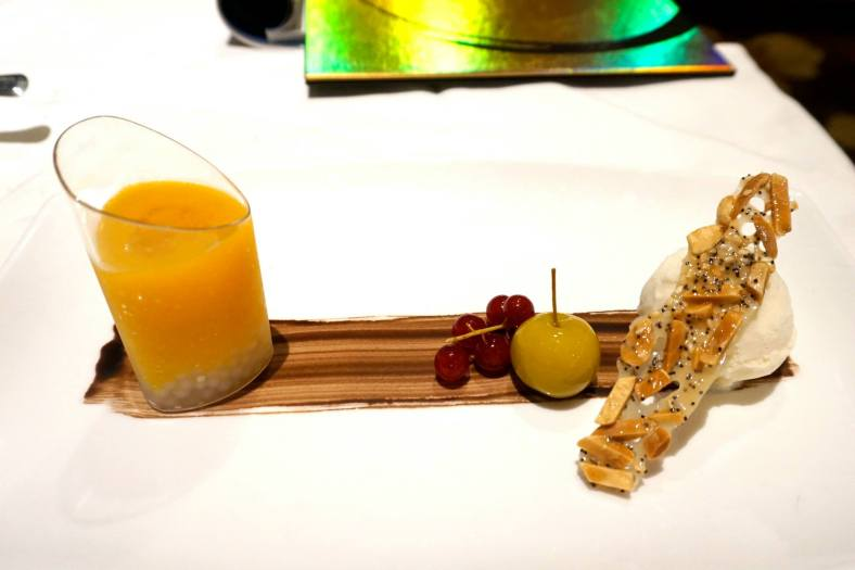 Chilled organic pumpkin puree with sago & bird's nest, coconut ice cream