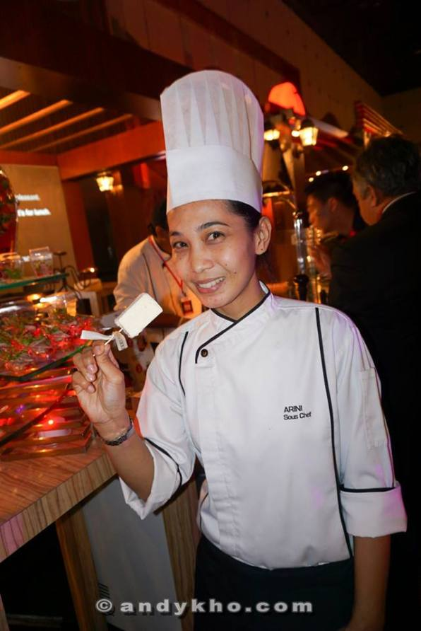 "Chef Siti Darsom from Grill 582 in Best Western Premier Dua Sentral with her creation which was something like cheese ""ice cream"""