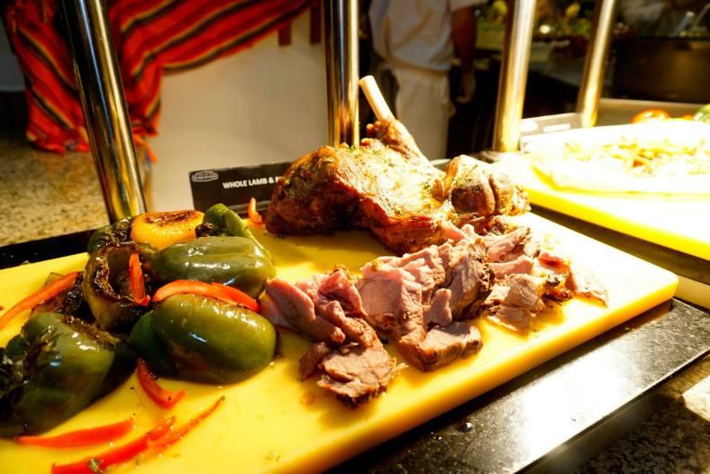 Roast lamb - juicy and tender!
