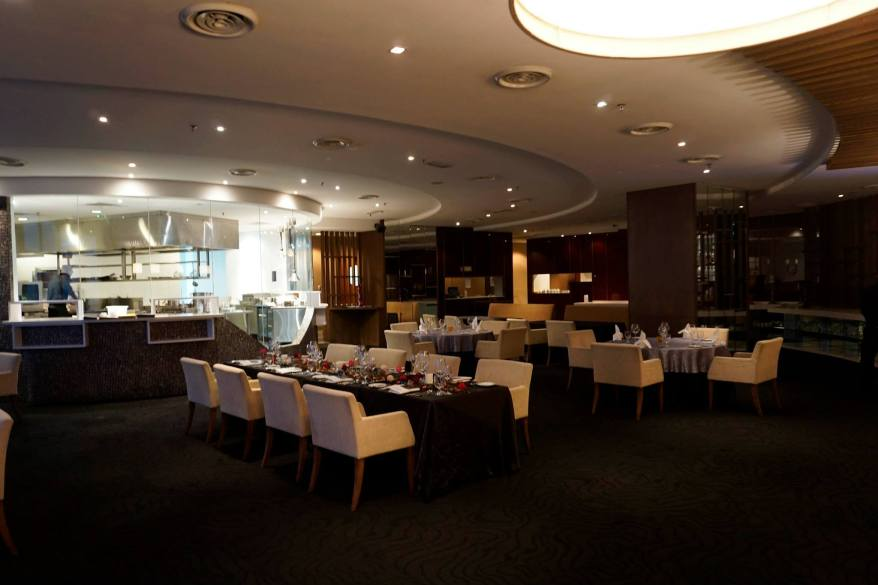 The restaurant is dimly lit and is quite a good place to take your partner for a romantic night out!