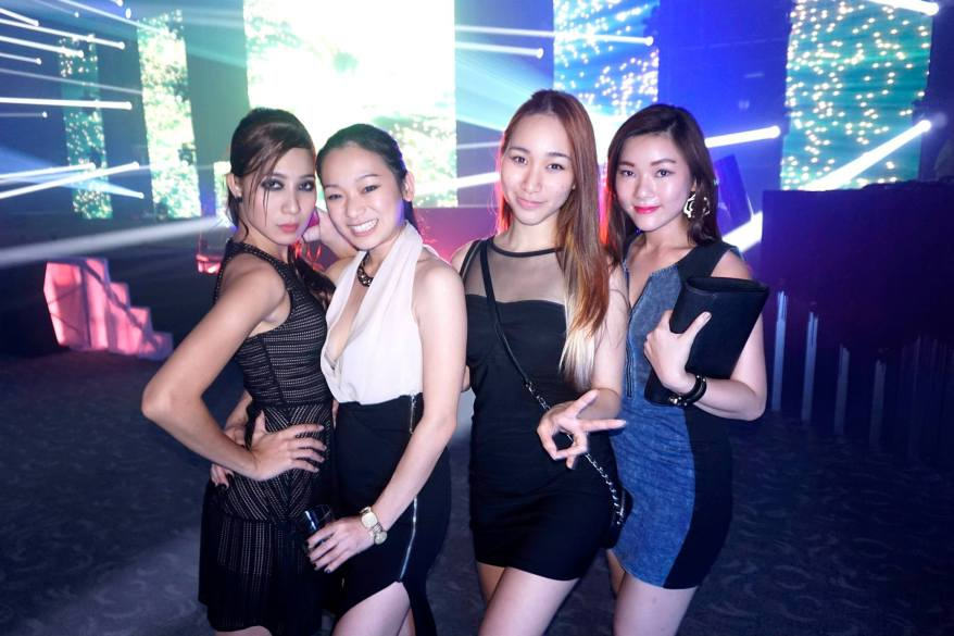 Cecilia Yong, winner of So You Think You Can Dance Malaysia Season 2 with Amanda, Melissa and their friend