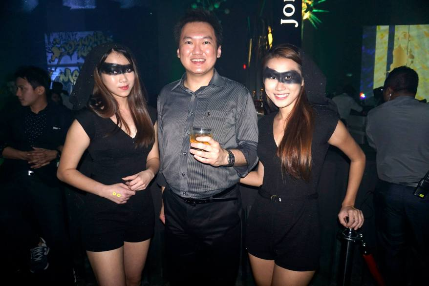 Me with two (2) Johnnie Walker brand ambassadors. Couldn't really tell who was who with the black eye makeup even though I starred closely.