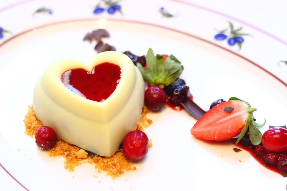 12 Restaurants for Valentine's Day Dinner (2015)