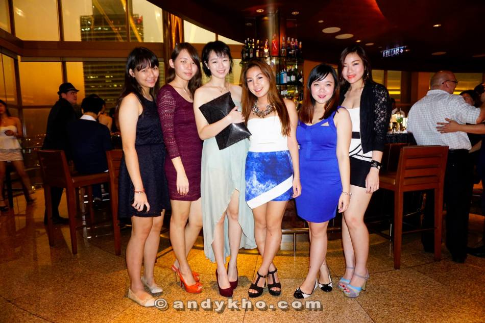 Joyee and her friends