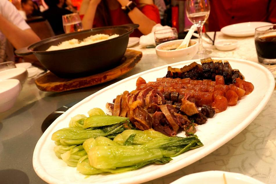 """Clay pot Rice with Chinese Sausage and Dried Meat """"Hong Kong"""" Style"""
