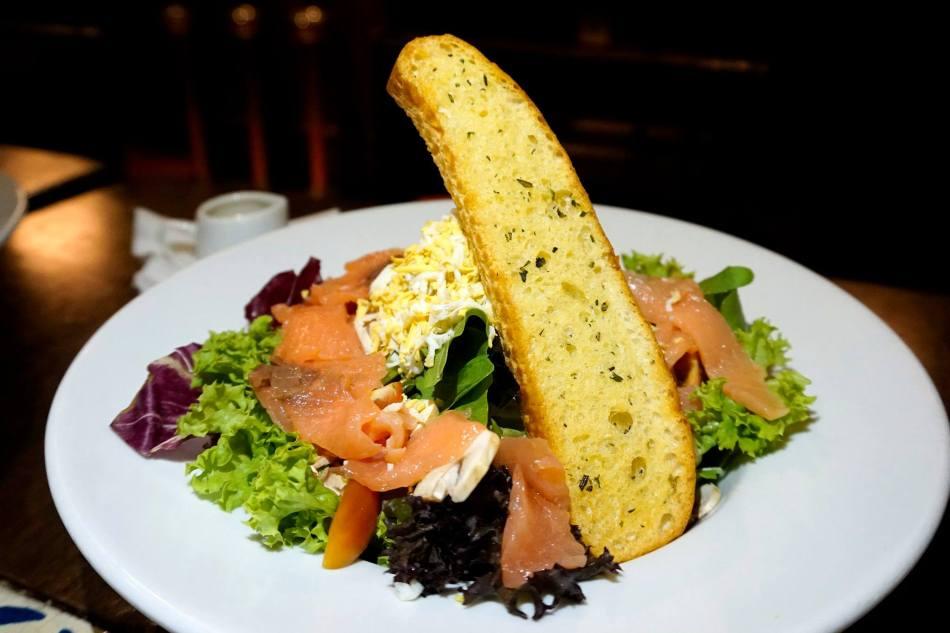 Smoked Salmon Salad - RM25.00++