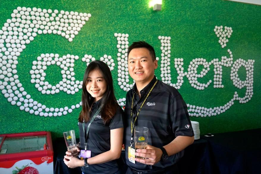 With pretty Lu Shan