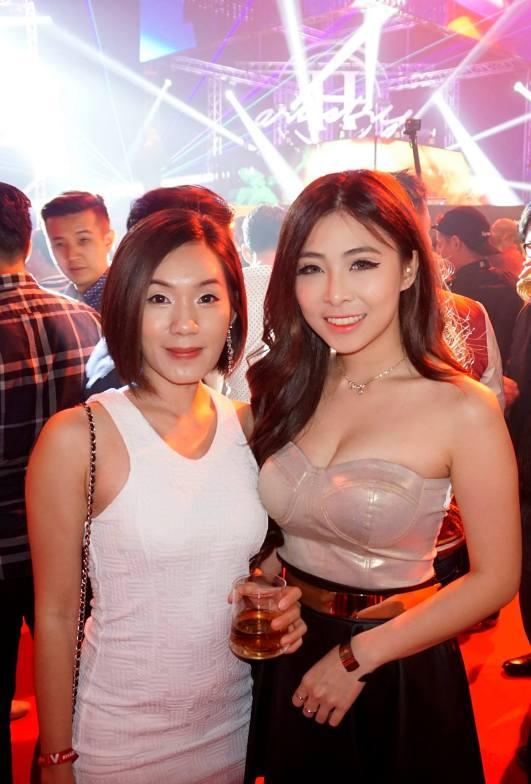 DJ Alexisgrace (R) with Jessie