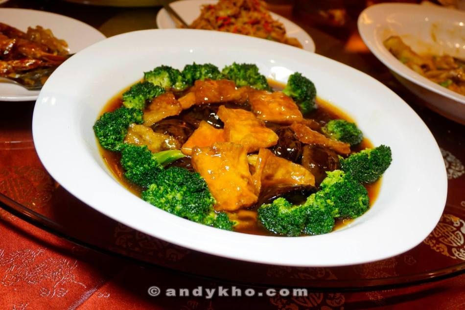 Braised Mushroom Fish Maw with Vegetables