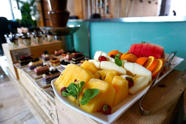 Fresh fruits are a healthy option. You could even start off your meal with these to aid digestion.