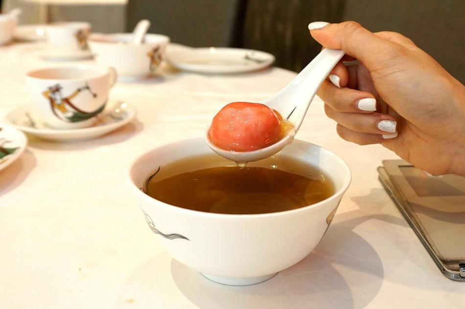 Double boiled 'lok mei' with aloe vera & glutinous dumpling