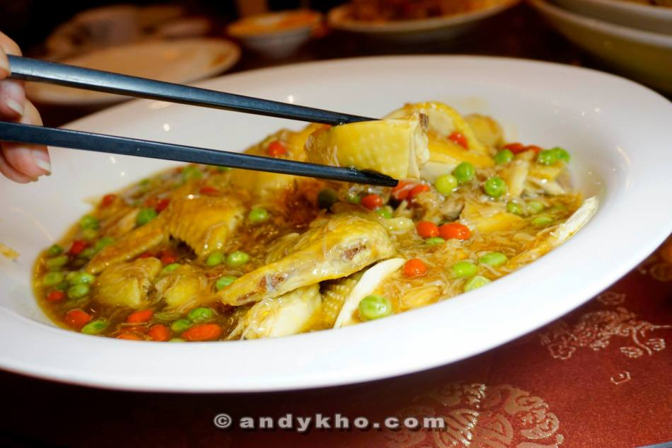 Steamed Kampung Chicken with Dried Scallops & Green Vegetables