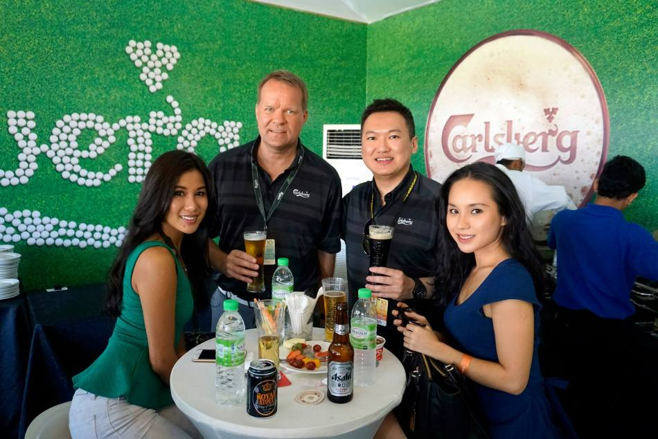With Lee Yvonne and friend and Henrik Andersen, Managing Director of Carlsberg Malaysia