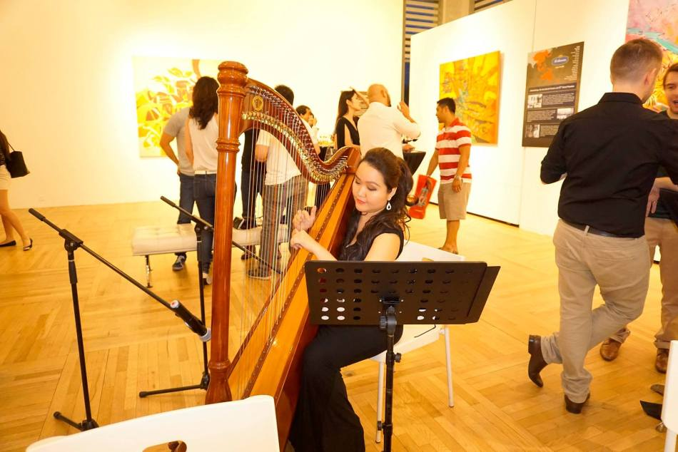 It's not everyday that you get to drink wine and enjoy a harp performance