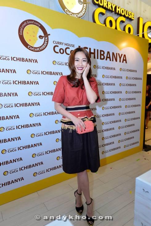 Miss Malaysia Chinese International 1998 and Hong Kong TVB artiste Debbie Goh