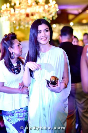 Miss Universe Malaysia 2013 Carey Ng