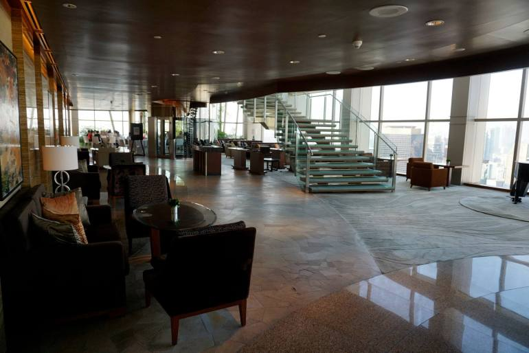 THIRTY* is located on the 38th floor of the Grand Hyatt and you'll need to take the lift up to the 39th floor lobby then take the stairs down one floor