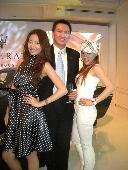 A pic with songbird Chelsia Ng, and Chermaine Poo