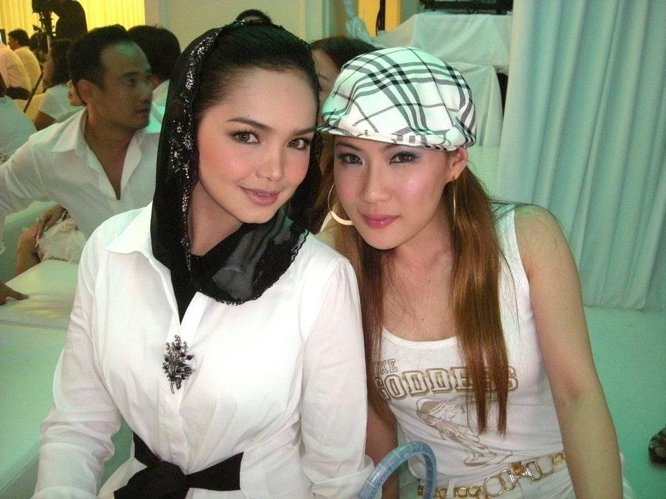 Dato Siti Nurhaliza and Chermaine Poo were among the VIP guests