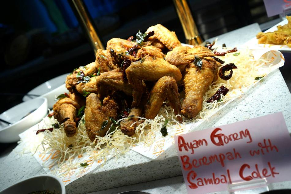I really liked the ayam goreng! Crispy and very flavourful.