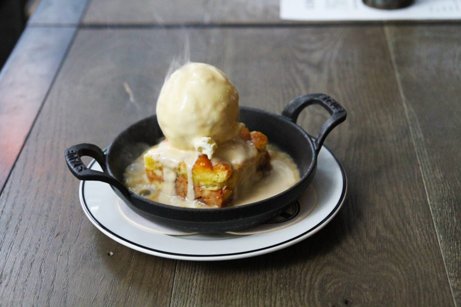 Sizzling Apple Pie with Vanilla Ice-cream