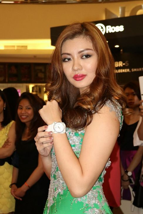The gorgeous Miss Universe Malayisa Carey Ng