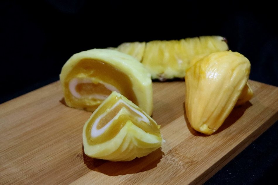 Snow Skin Pineapple Lotus with Jackfruit Mochi