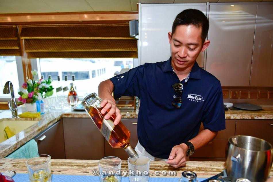 Johnnie Walker brand ambassador Jeremy Lee was on hand to serve us some drinks and share a little info on Johnnie Walker's premium labels