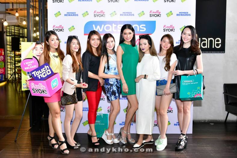 Amber Chia with the MHB bloggers and social media influencers