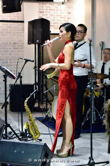 Songbird Janet Lee entertaining the guests
