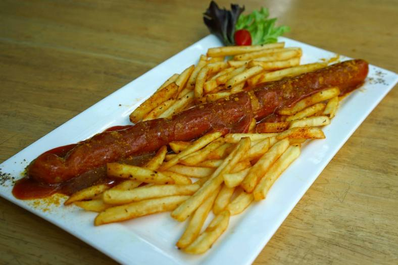 Foot long Currywurst - RM16.50