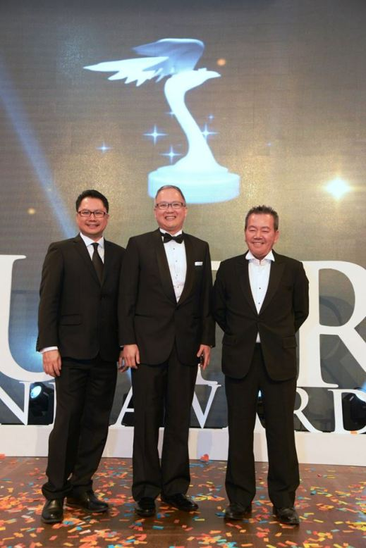 Andrew Lee, Organising Chairman of Putra Brand Awards 2015, Michael Foong, Group Chief Strategy Officer of Maybank Group, and Dato' Johnny Mun, President of the 4As