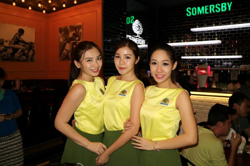 The pretty Somersby girls looked after us and ensured that we were not thirsty