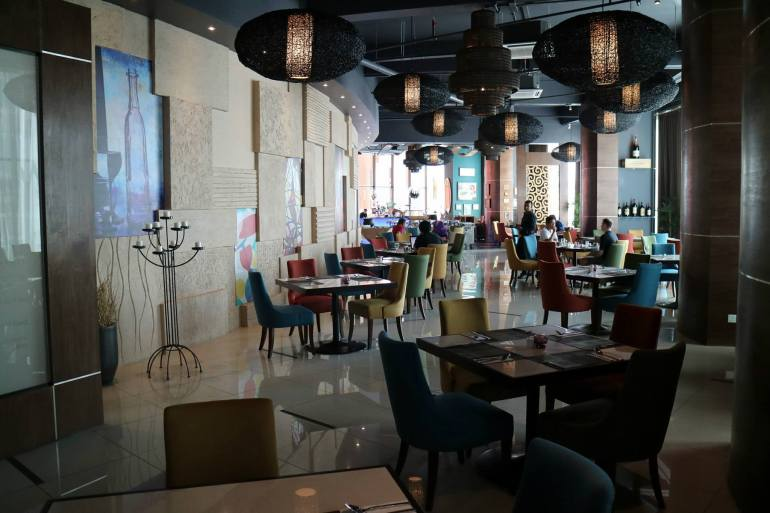 Food wise, the hotel has an all-day-dining restaurant which is Hugo's by Modestos and also a Starbucks. There's lots more food in Empire Damansara which is connected to the hotel.