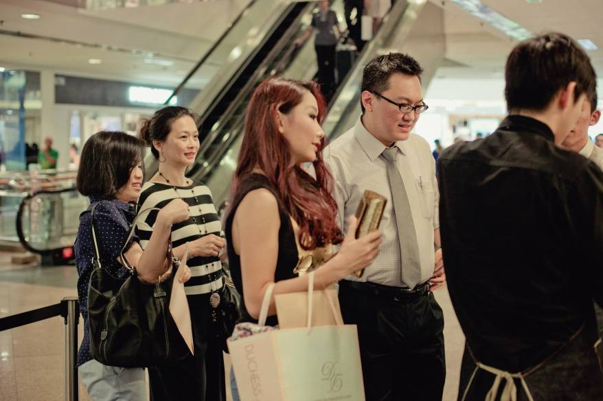 The photographer caught me chatting with Michelle Lee who was my FHM Girl Next Door 2010 finalist. I'm glad to see that's she made a name for herself in the entertainment industry!